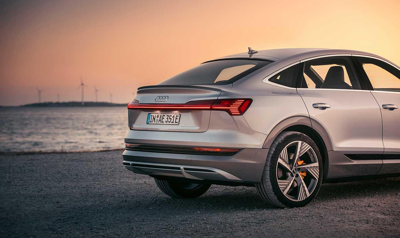 Audi-etron-sportback-plata