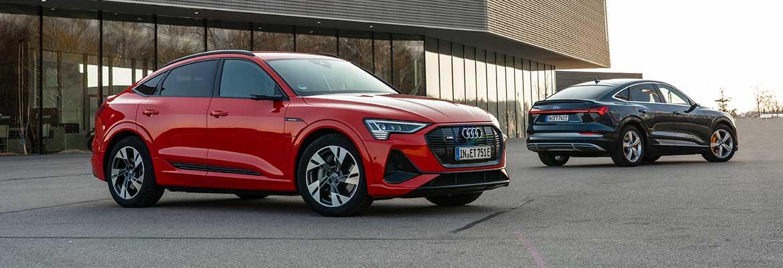 Audi-etron-sportback-rojo-y-azul