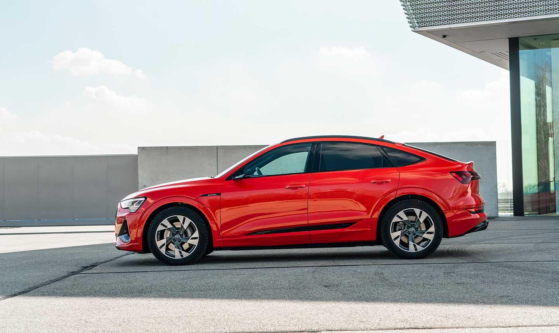 Audi-etron-sportback-rojo